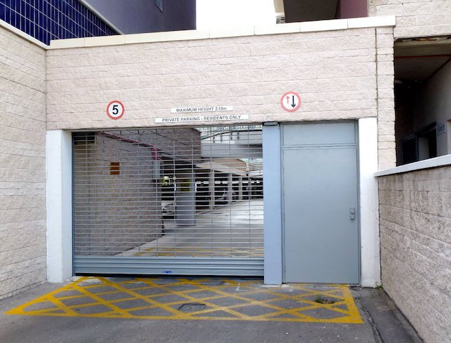 alulink-g1 roller shutters in use externally