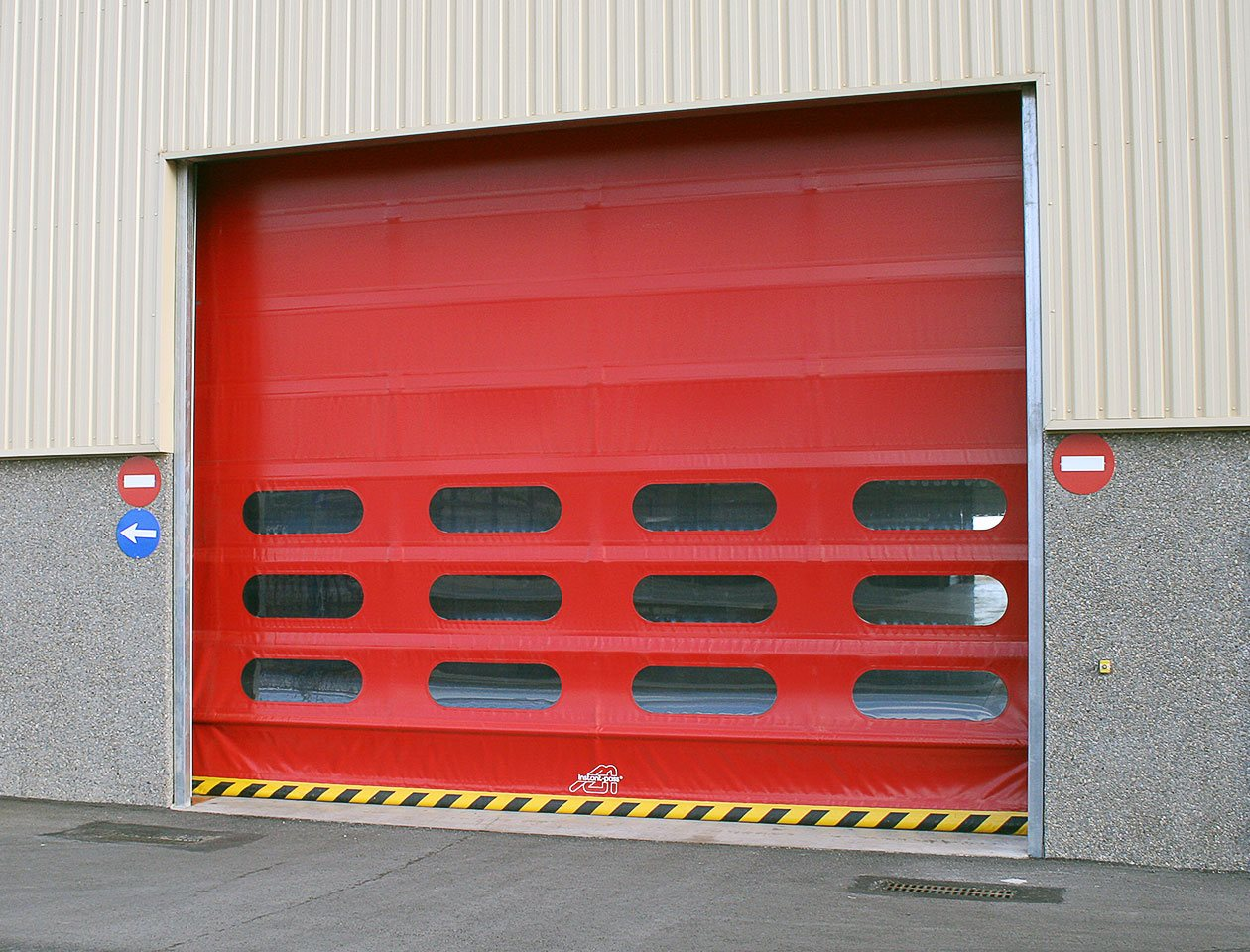 high speed door in red