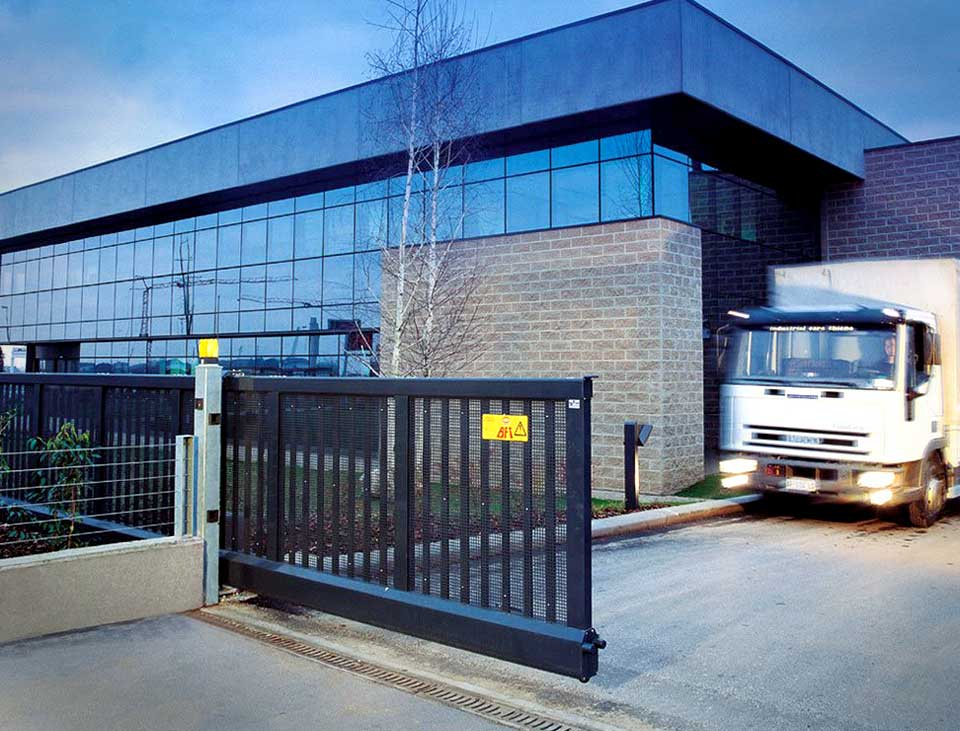 cantilevered sliding speed gate